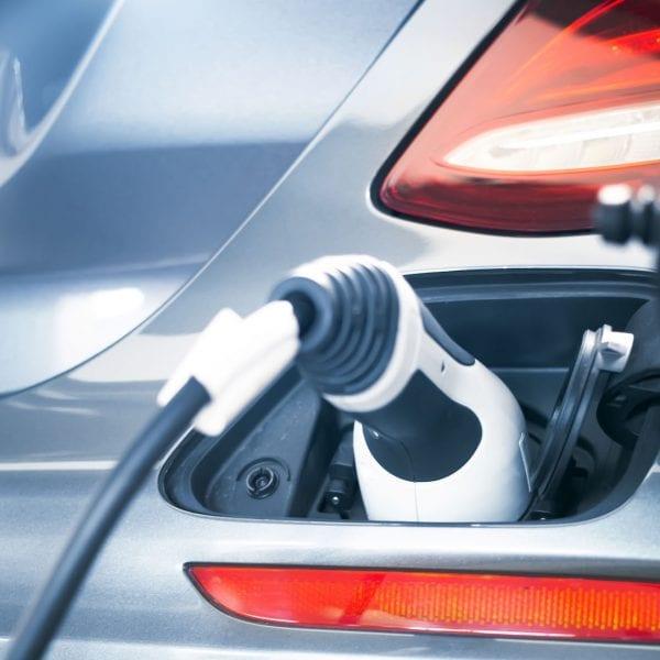 F&P - Zeit für Heldinnen und Helden - PES Power Energy Solutions - Lademanagement für Elektroautos