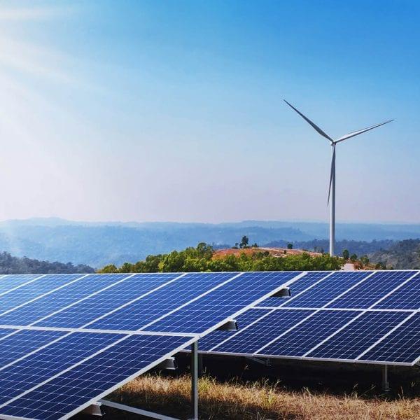 F&P - Zeit für Heldinnen und Helden - PVI Photovoltaic Installation - Solaranlage im Einsatz